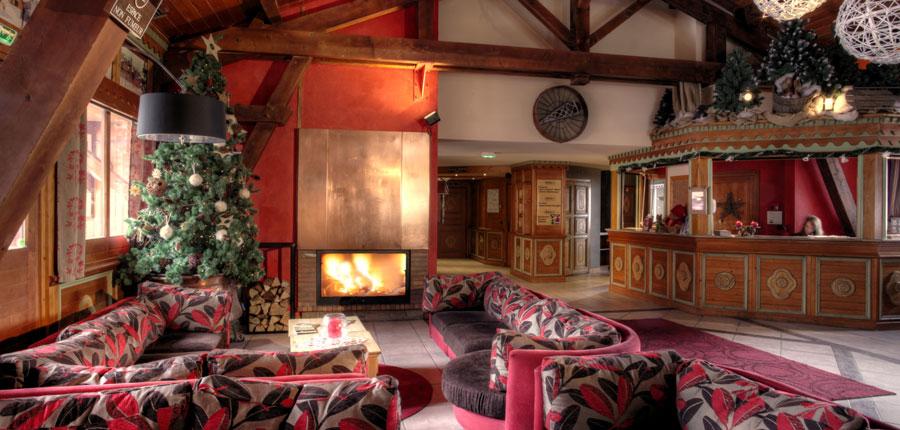france_espace-killy-ski-area_tignes_village-montana-apartments_lobby.jpg